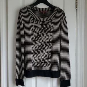Graphic black and tan knit top